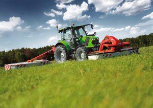 Grünlandbewirtschaftung mit Deutz-Fahr 6120 Powershift