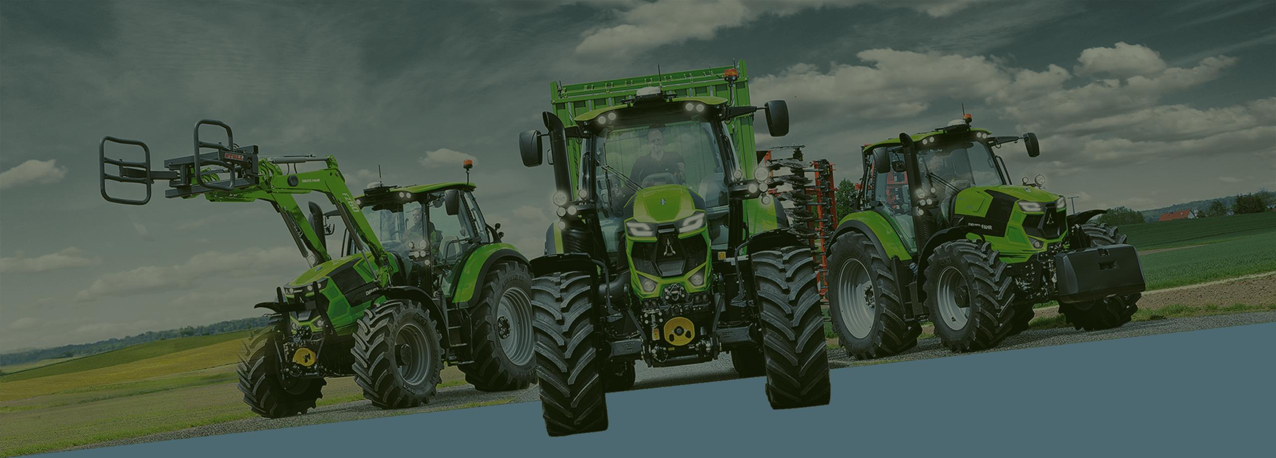 Drei verschiedene grüne Traktoren der Serie 6 mit leistungsstarken Motoren