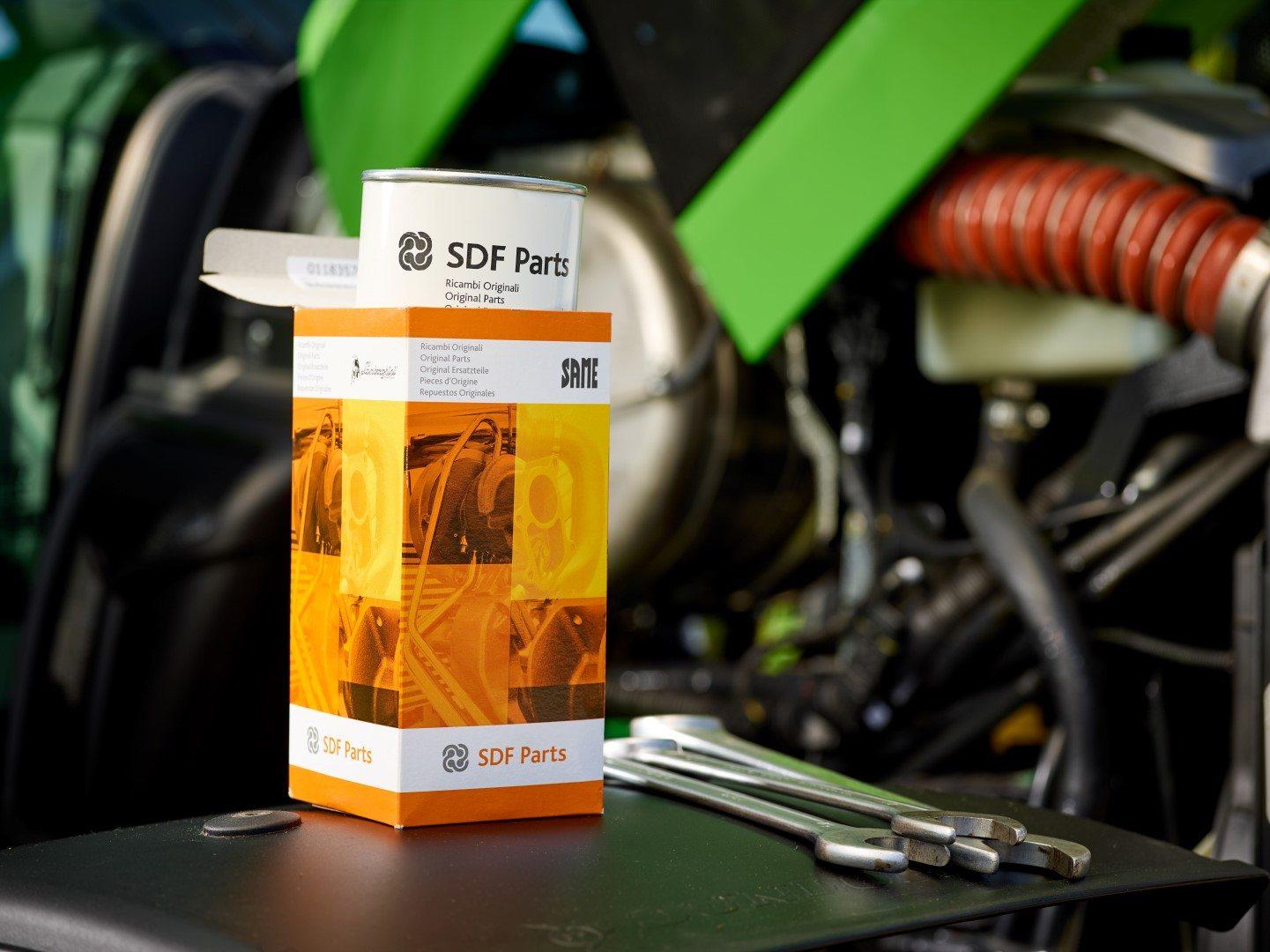 SDF parts Ersatzteile und drei Schraubenschlüssel